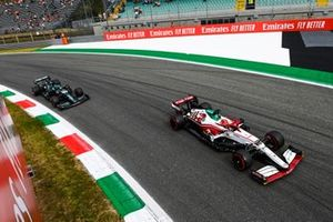 Robert Kubica, Alfa Romeo Racing C41, Lance Stroll, Aston Martin AMR21