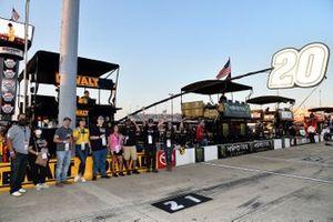 Christopher Bell, Joe Gibbs Racing, Toyota Camry DEWALT Salute First Responders, Dewalt guest