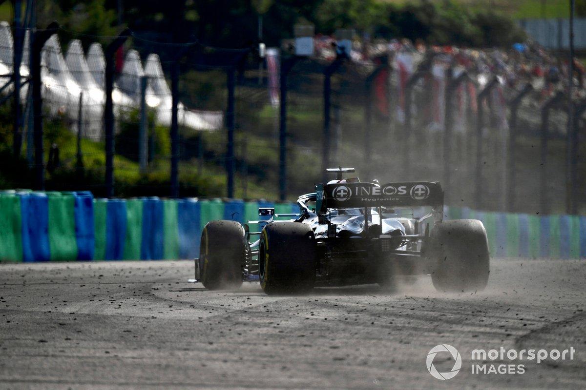 Lewis Hamilton, Mercedes W12, se va de ancho