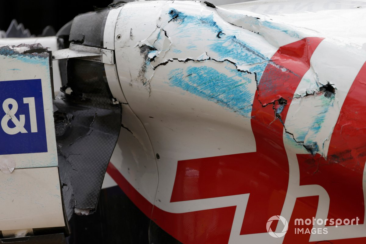 Поврежденная машина Мика Шумахера, Haas VF-21