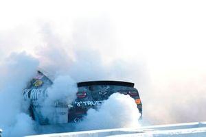 Race winner Noah Gragson, JR Motorsports, Chevrolet Camaro