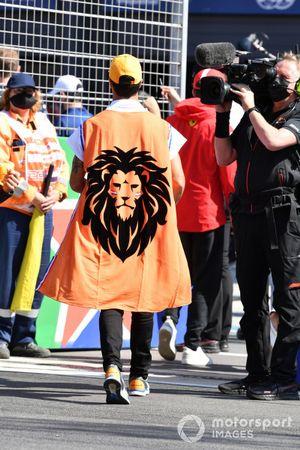 Daniel Ricciardo, McLaren MCL35M dutch lion flag