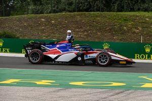 Louis Deletraz, Charouz Racing System and Yuki Tsunoda, Carlin battle