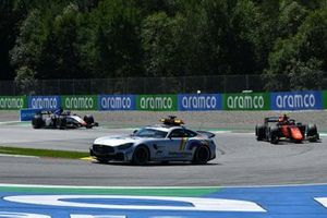 The Safety Car leads Felipe Drugovich, MP Motorsport, and Louis Deletraz, Charouz Racing System