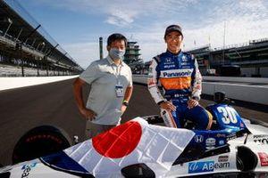 Takuma Sato, Rahal Letterman Lanigan Racing Honda with photographer legend Hiro Matsumoto