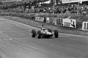 Race winner Jim Clark, Lotus 25 Climax