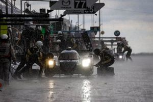 #38 Performance Tech Motorsports ORECA LMP2 07, LMP2: Cameron Cassels, James French, arrêt au stand