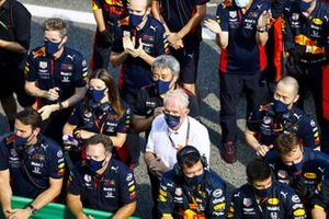 Yusuke Hasegawa, Senior Managing Officer, Honda, Helmut Marko, Consultant, Red Bull Racing, join Red Bull team members for the podium celebrations