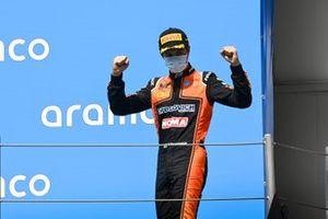 Yarış galibi Felipe Drugovich, MP Motorsport