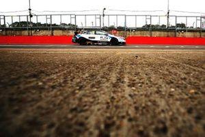 Ollie Brown, RCIB Insurance Racing avec Team HARD. Volkswagen CC