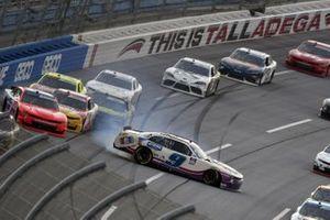Noah Gragson, JR Motorsports, Chevrolet Camaro Hellmann's Drizzle Sauce spins