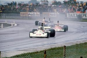 James Hunt, Hesketh Ford 308, Emerson Fittipaldi, McLaren M23, Jody Scheckter, Tyrrell 007