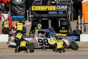 Grant Enfinger, ThorSport Racing, Ford F-150 Farm Paint/Curb Records pit stop