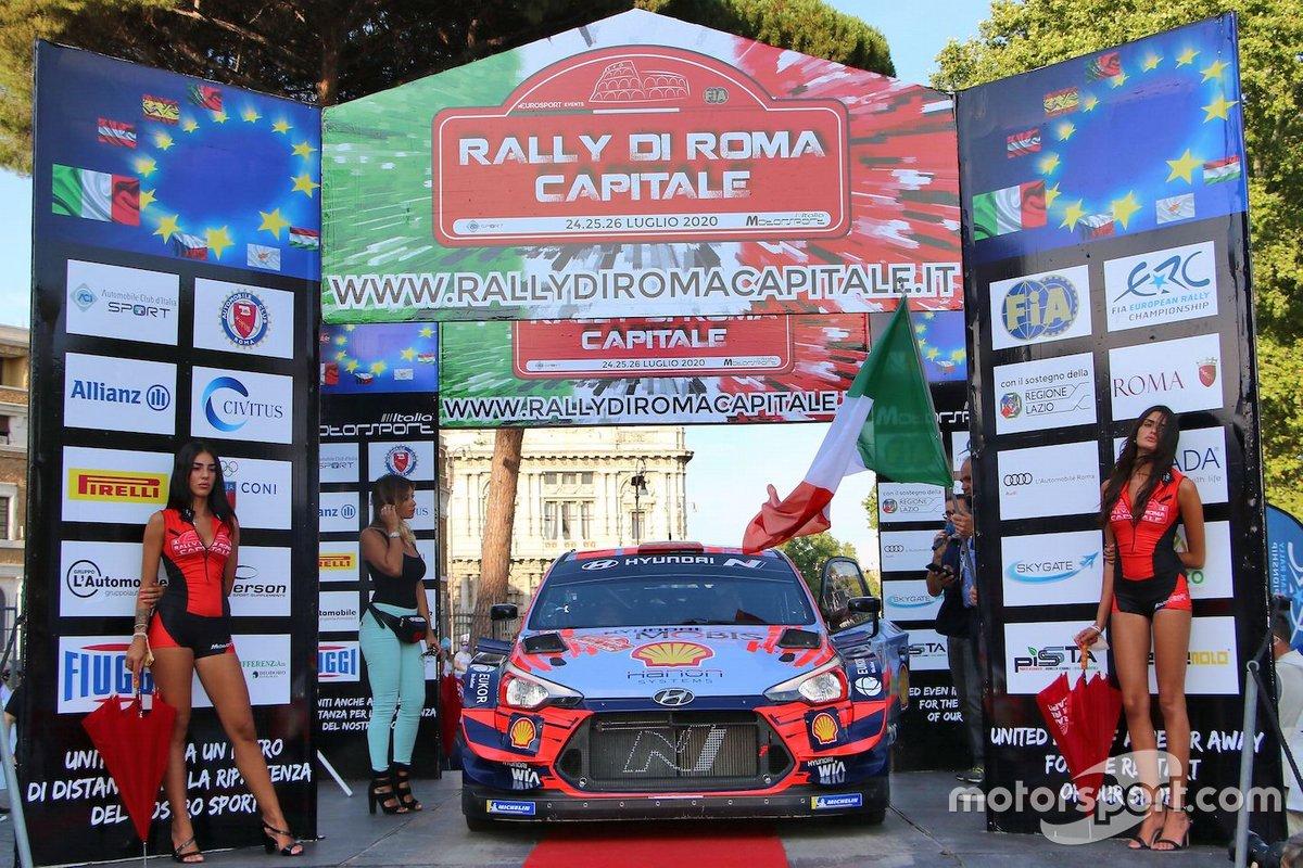 Daniel Sordo, Carlos Del Barrio, Hyundai i20 Coupè WRC, alla cerimonia prima della partenza, da Castel Sant' Angelo