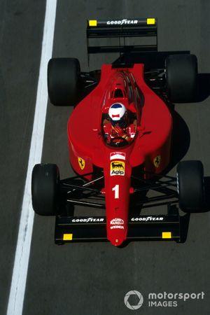 Race winner Aialn Prost, Ferrari 641/2