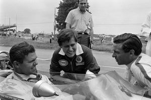 Eppie Wietzes and Jim Clark, Team Lotus