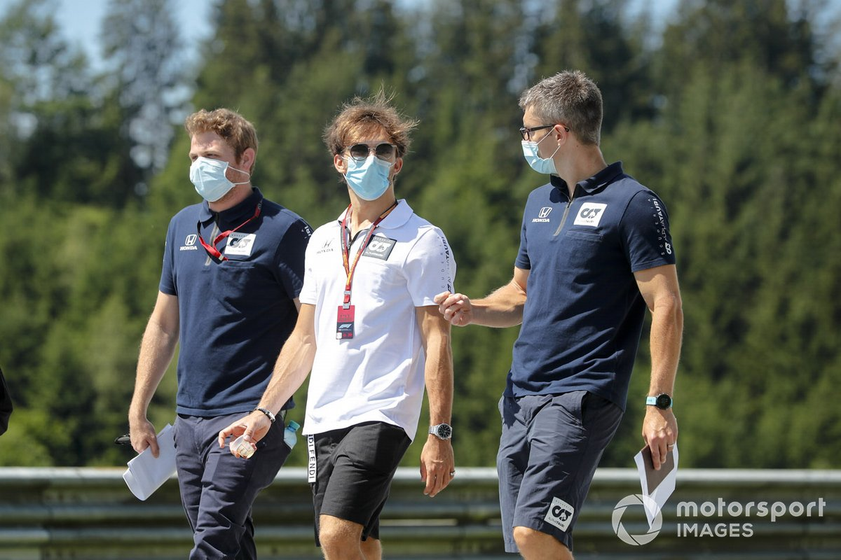 Pierre Gasly, AlphaTauri walks the track