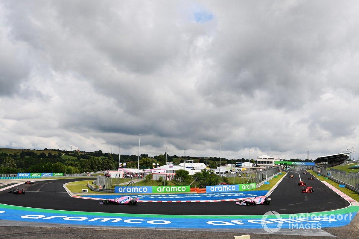 Lewis Hamilton, Mercedes F1 W11, Valtteri Bottas, Mercedes F1 W11, Lance Stroll, Racing Point RP20 y Sergio Pérez, Racing Point RP20 en la vuelta de formación