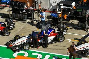 Niko Kari, Charouz Racing System, Igor Fraga, Charouz Racing System