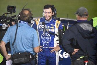 Ganador de la carrera Chase Elliott, Hendrick Motorsports Chevrolet Kelley Blue Book habla a los medios de comunicación