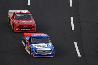 Stewart Friesen, Halmar Friesen Racing Toyota Halmar Int./Thank You Healthcare Workers, leads Ross Chastain, Niece Motorsports Chevrolet Florida Watermelon Association