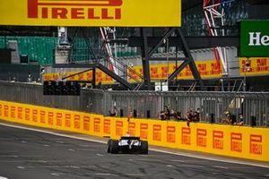 Nikita Mazepin, Hitech Grand Prix, primo posto, si prende la vittoria