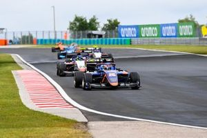 Clement Novalak, Carlin, leads David Schumacher, Charouz Racing System
