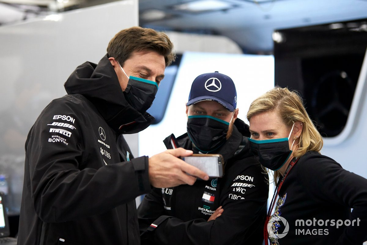 Toto Wolff, Executive Director (Business), Mercedes AMG and Valtteri Bottas, Mercedes-AMG Petronas F1