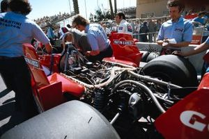 Engine developer Carlo Chiti, Carlos Pace and Brabham's new BT45 with the Alfa Romeo's flat-12 engine.