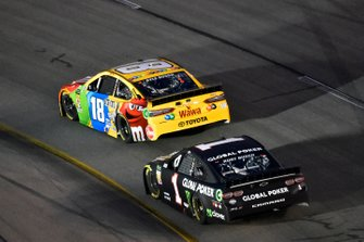 Kyle Busch, Joe Gibbs Racing, Toyota Camry M&M's, Kurt Busch, Chip Ganassi Racing, Chevrolet Camaro Global Poker