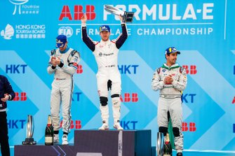 Race winner Sam Bird, Envision Virgin Racing holds his trophy aloft on the podium alongside Edoardo Mortara, Venturi Formula E, 2nd position, Lucas Di Grassi, Audi Sport ABT Schaeffler, 3rd position
