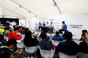 Katherine Legge, Rahal Letterman Lanigan Racing, Darryl O'Young, Jaguar VIP car, Simon Evans, Team Asia New Zealand, Yaqi Zhang, Team China