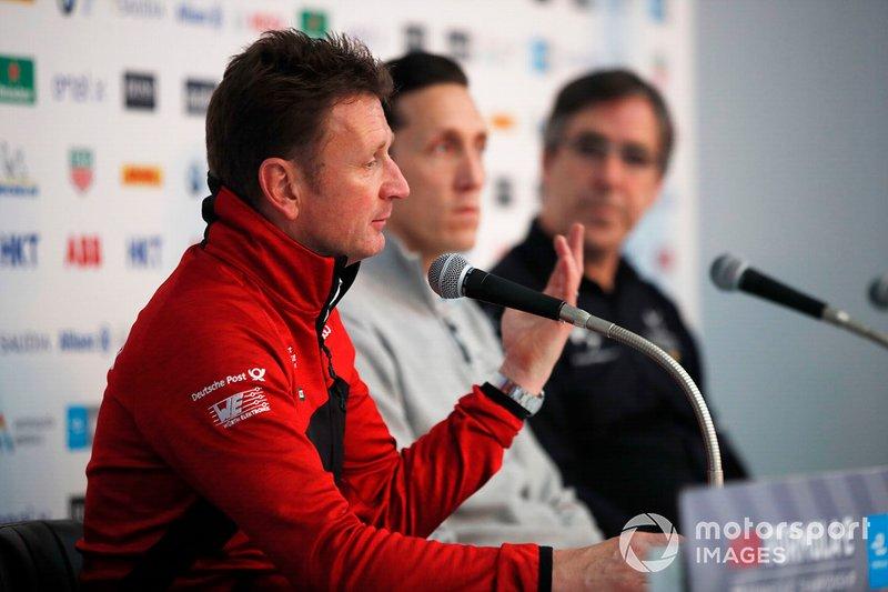 Allan McNish, Team Principal, Audi Sport Abt Schaeffler basın toplantısında