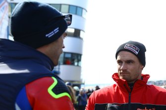 Leon Camier, Honda WSBK Team, Chaz Davies, Aruba.it Racing-Ducati Team discuss the conditions