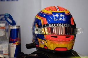 Шлем Александра Элбона, Toro Rosso