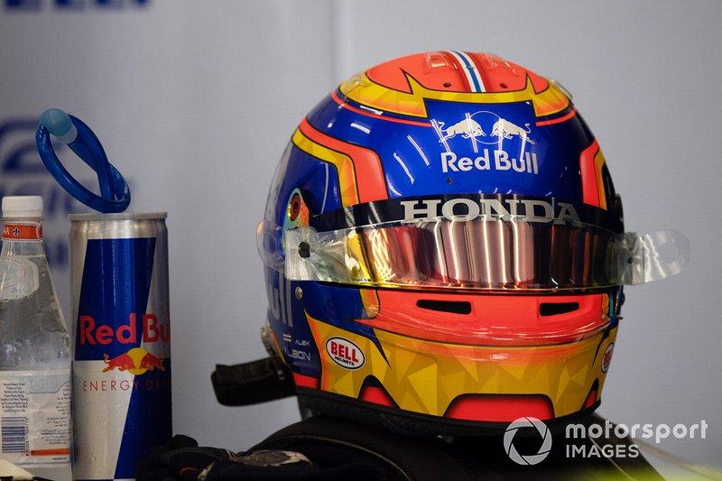 The helmet of Alexander Albon, Toro Rosso