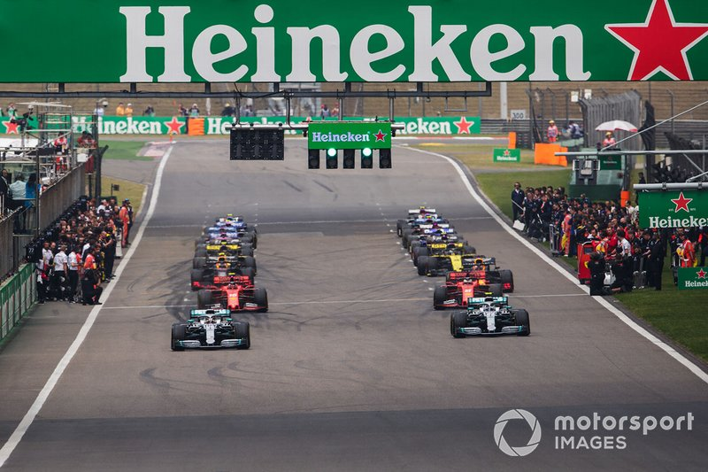 Lewis Hamilton, Mercedes AMG F1 W10, Valtteri Bottas, Mercedes AMG W10.