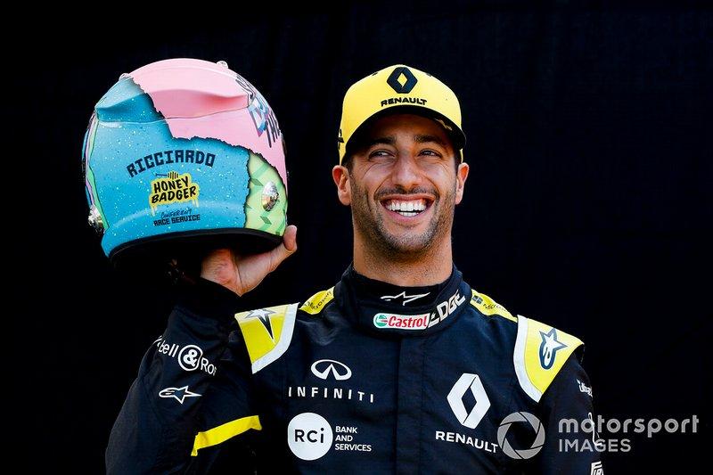 Daniel Ricciardo, Renault F1 Team dengan helm barunya