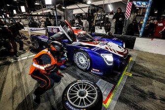 #54 CORE autosport Nissan DPi, DPi: Jonathan Bennett, Colin Braun, Romain Dumas, Loic Duval, pit stop