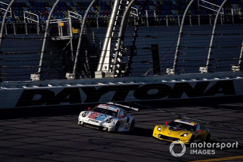#911 Porsche GT Team Porsche 911 RSR, GTLM: Patrick Pilet, Nick Tandy, Frederic Makowiecki, #3 Corvette Racing Corvette C7.R, GTLM: Jan Magnussen, Antonio Garcia, Mike Rockenfeller