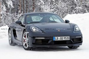 Porsche 718 Cayman GT4 Touring SPY SHOT