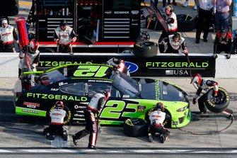 Brad Keselowski, Team Penske, Ford Mustang Fitzgerald pit stop