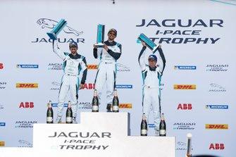 Podio PRO AM: Bandar Alesayi, Saudi Racing, Ahmed Bin Khanen, Saudi Racing, Lin Qi, Team China