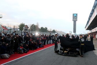 Romain Grosjean, Haas F1 Team y Kevin Magnussen, Haas F1 presenta su monoplaza