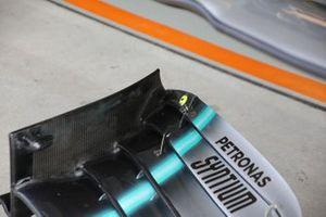 Mercedes AMG F1 W10, dettaglio dell'ala anteriore
