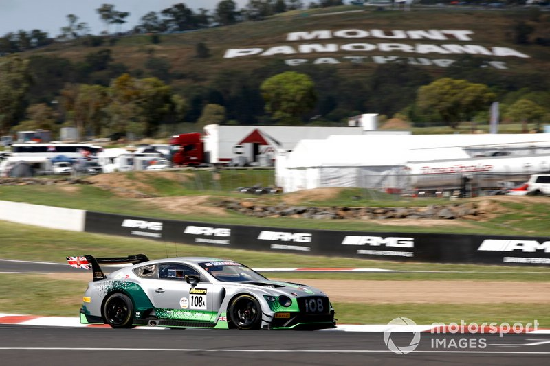 #108 Bentley Team M-Sport Bentley Continental GT3: Andy Soucek, Maxime Soulet, Vincent Abril