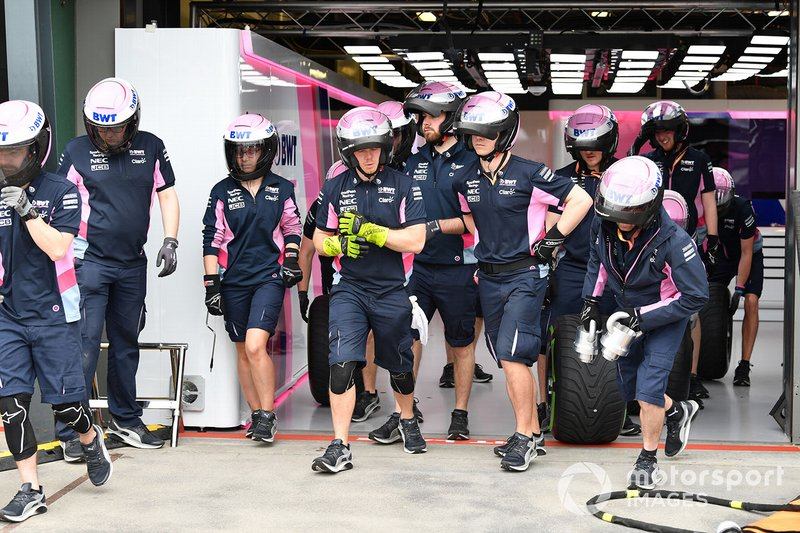 Racing point pit crew