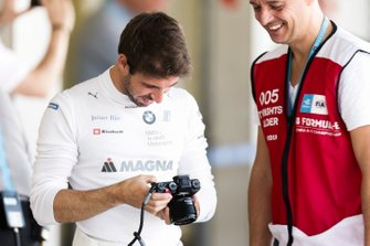 Antonio Felix da Costa , BMW I Andretti Motorsports, takes a photo