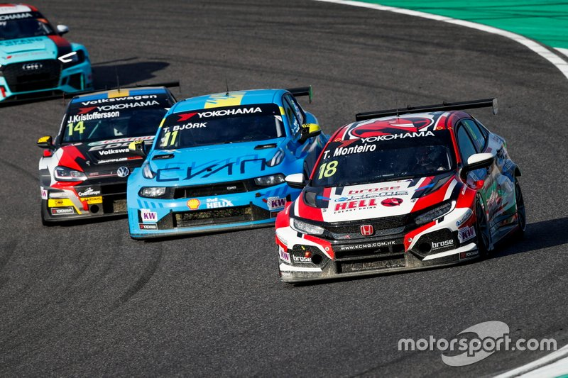 Tiago Monteiro, KCMG Honda Civic Type R TCR, Thed Björk, Cyan Racing Lynk & Co 03 TCR, Johan Kristoffersson, SLR Volkswagen Volkswagen Golf GTI TCR