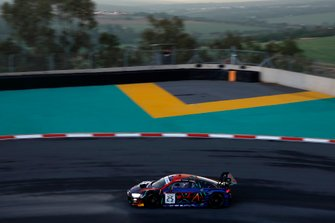 #25 Audi Sport Team WRT Audi R8 LMS GT3 2019: Kelvin van der Linde, Frederic Vervisch, Dries Vanthoor